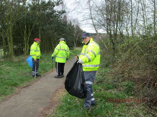 Litter Pick During Mansfield Clean Up Day