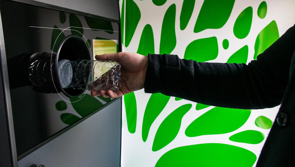 Veolia UK _ Reverse Vending Machines (RVMs)